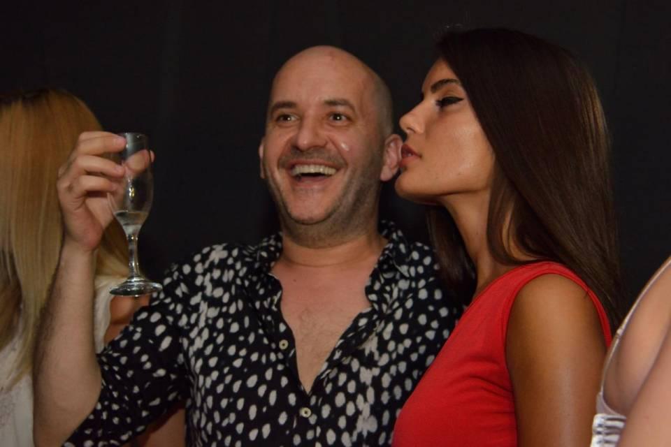 donne esibizioniste nude italiano porno gay
