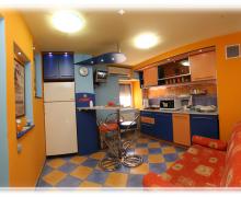 Appartamento 1 - soggiorno aperto con cucina