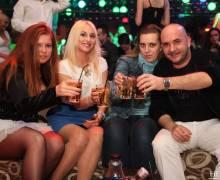 Divertimento con belle ragazze in discoteca in Romania 2014
