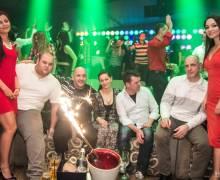 Tavolo in discoteca Heaven Studio con belle ragazze in Romania 1-02-14