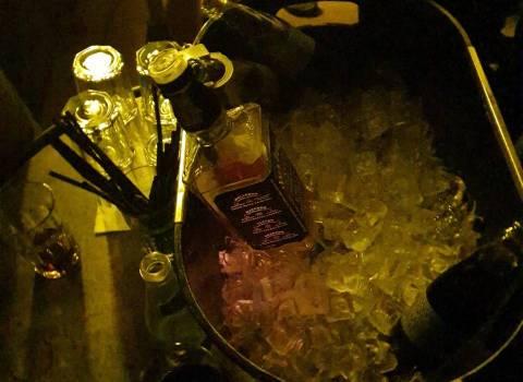 Dove fare in Romania un tavolo con belle gnocche in discoteca 11-01-2020