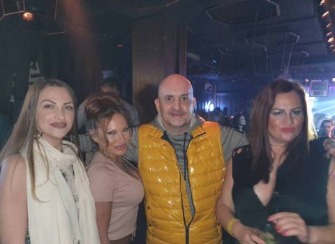 Divertimento sicuro in Romania con belle donne a Natale 2019