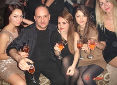12-2013 Come si possono incontrare le ragazze rumene? Andando in Romania!