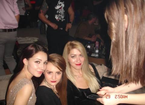 12-2013 Dove incontrare bellissime ragazze rumene? Solo in Romania!