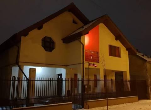 29-12-18 Saloni massaggi erotici Timisoara sconto 50 % con Mario se alloggiate da lui