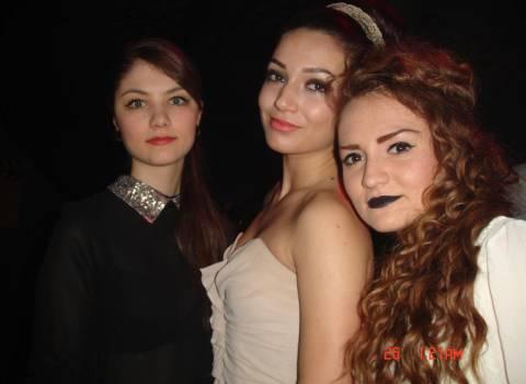 12-2013 Natale a Timisoara, belle ragazze in discoteca