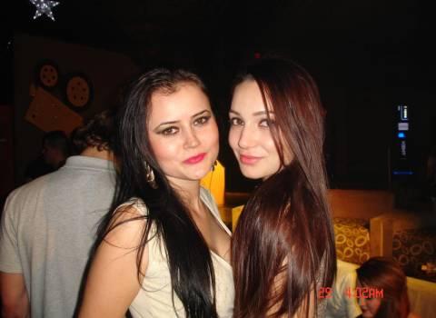 12-2013 Belle ragazze rumene in vacanza, discoteche Romania