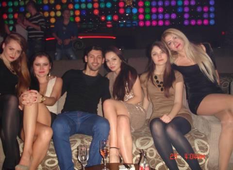 12-2013 Vacannza divertente con belle ragazze in Romania
