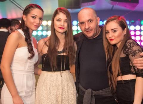 Festa di San Valentino con belle donne in Romania 14-02-2014
