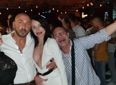 Come conoscere belle donne rumene che piacciono gli uomini italiani 6-07-19
