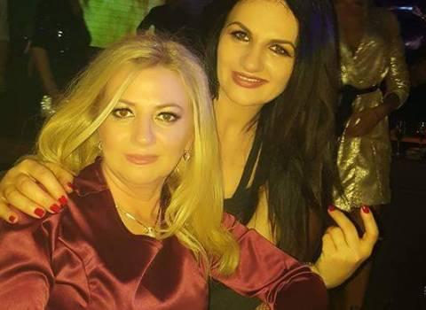 Trovare belle ragazze more & bionde per capodanno in Romania 2018