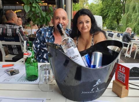 Come fare conoscere belle ragazze more in Romania - estate 2021