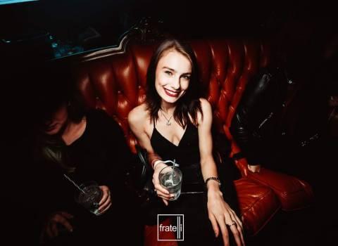 Trovare belle ragazze rumene universitarie foto 8-11-2019