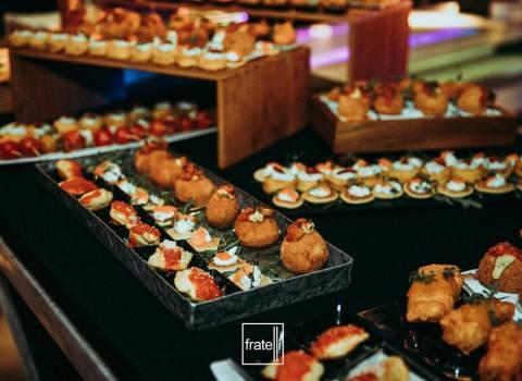 31-12-19 Buon cibo tipo buffet in discoteca per Capodanno a Timisoara