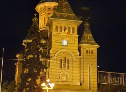 Piazza centrale di Timisoara con la cattedrale 30-11-2019