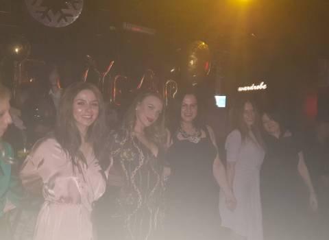 31-12-19 Dove si puo festeggiare con belle donne in Romania?