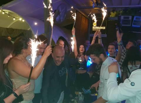 7-07-2018 Dove organizzare in Romania serate in discoteca con belle donne?