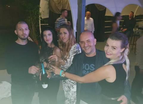 7-07-2018 Divertimento sicuro in Romania foto con belle ragazze