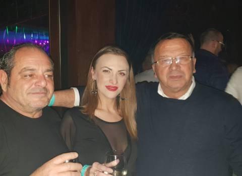 26-01-19 Dove conoscere belle ragazze in Romania | Foto