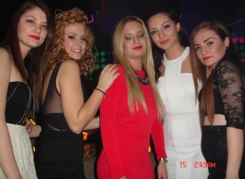 Bellissima serata con ragazze studentesse stupende 14-02-2014