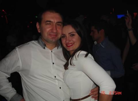 Come festeggiare a San Valentino con Dottor Mario e belle ragazze in Romania