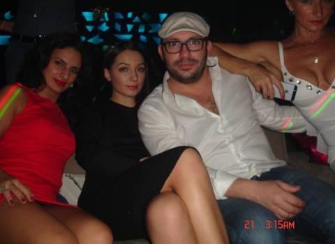 20-12-2014 Vacanza in Romania piena di feste con belle donne in discoteca