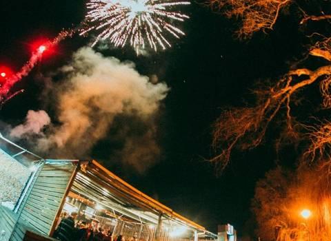 31-12-19 Timisoara a Capodanno fuochi d'artificio e bellissime ragazze
