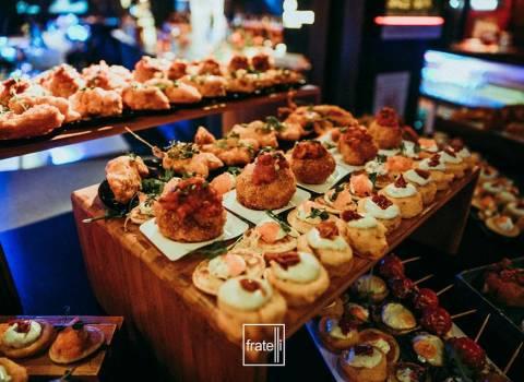 31-12-19 Offerta buffet da mangiare tutta la notte Capodanno a Timisoara