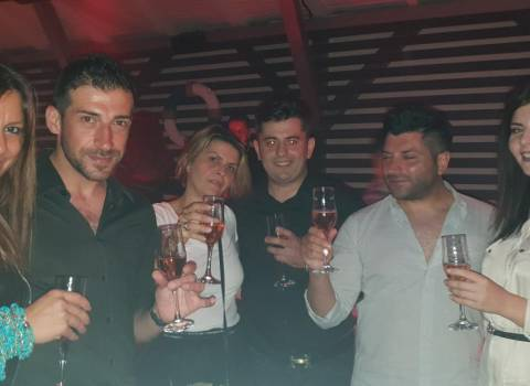 9-08-2018 Come organizzare in Romania una serata con belle donne in discoteca?