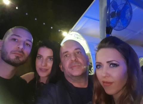 7-07-2018 Dove conoscere belle ragazze morre o brune in Romania con occhi azzurri?