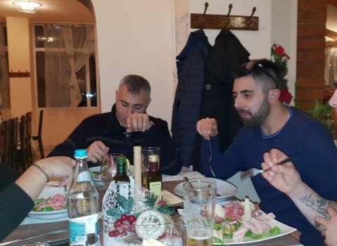 29-12-2018 Tavolo al ristorante italiano a Capodanno con dei italiani