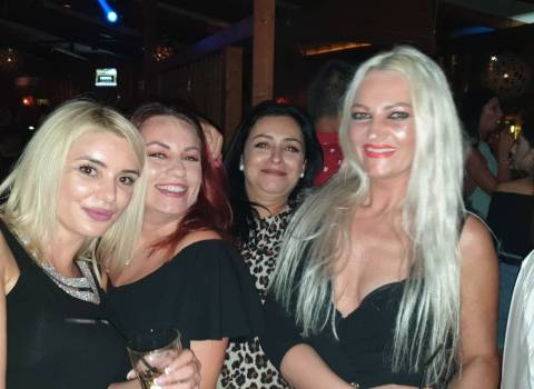 Come trovare donne modelle mature in Romania 7-09-2019