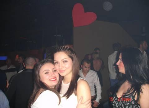 Festa San Valentino con belle ragazze in Romania