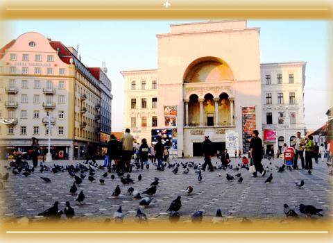 Piazza opera rumena