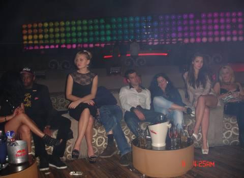 Ragazze in discoteca a Timisoara