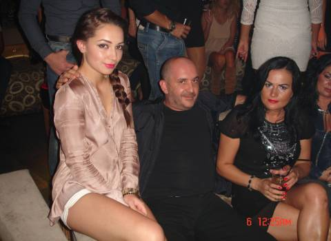 Tavolo in discoteca dottor Mario e le sue ragazze