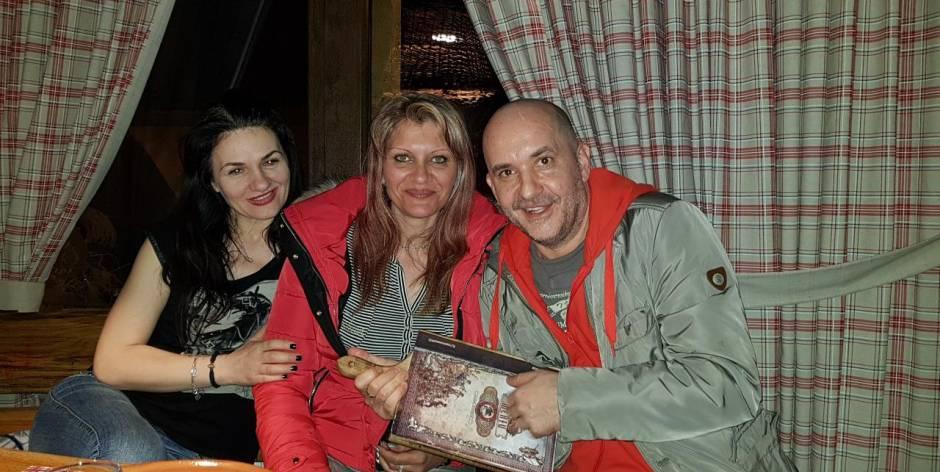 Organizzare cena serata in Romania con belle donne mature