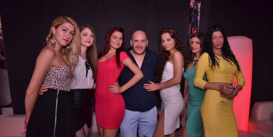 In Romania si trovano belle donne rumene che parlano l'italiano