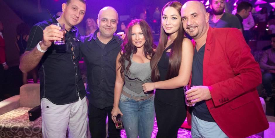 Dove trovare bellissime donne in vacanza in Romania?