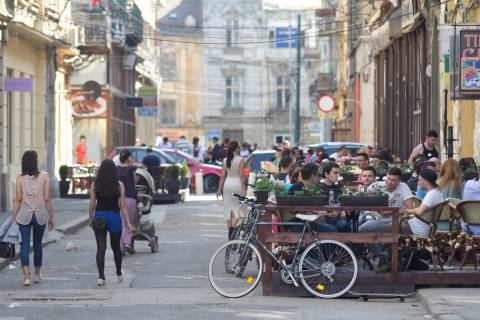 Donne rumene strada centro Timisoara 2013