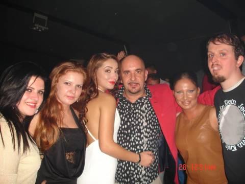 Come si puo' festeggiare con bellissime ragazze in Romania