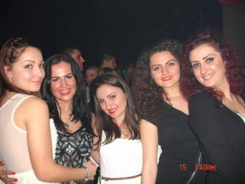 Dove festeggiare con belle ragazze in Romania per il giorno d'amore?