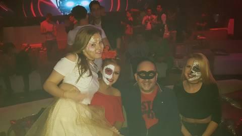 Divertimento con belle donne mascherate per Halloween 2016 a Timisoara