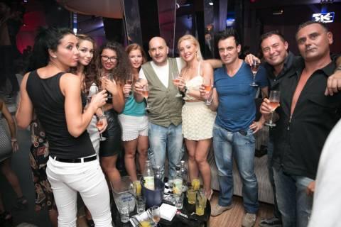 Organizzare serate in Romania con belle ragazze